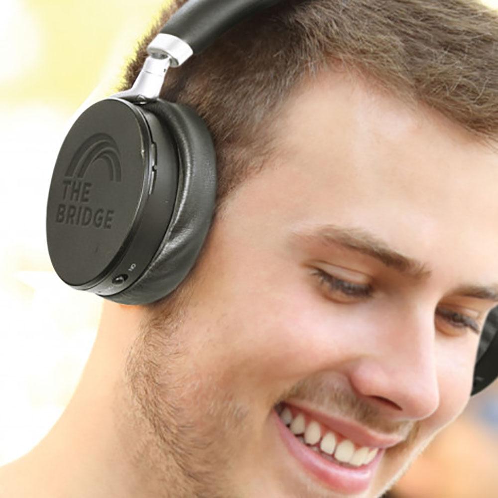 Onyx Noise Cancelling Headphones feature